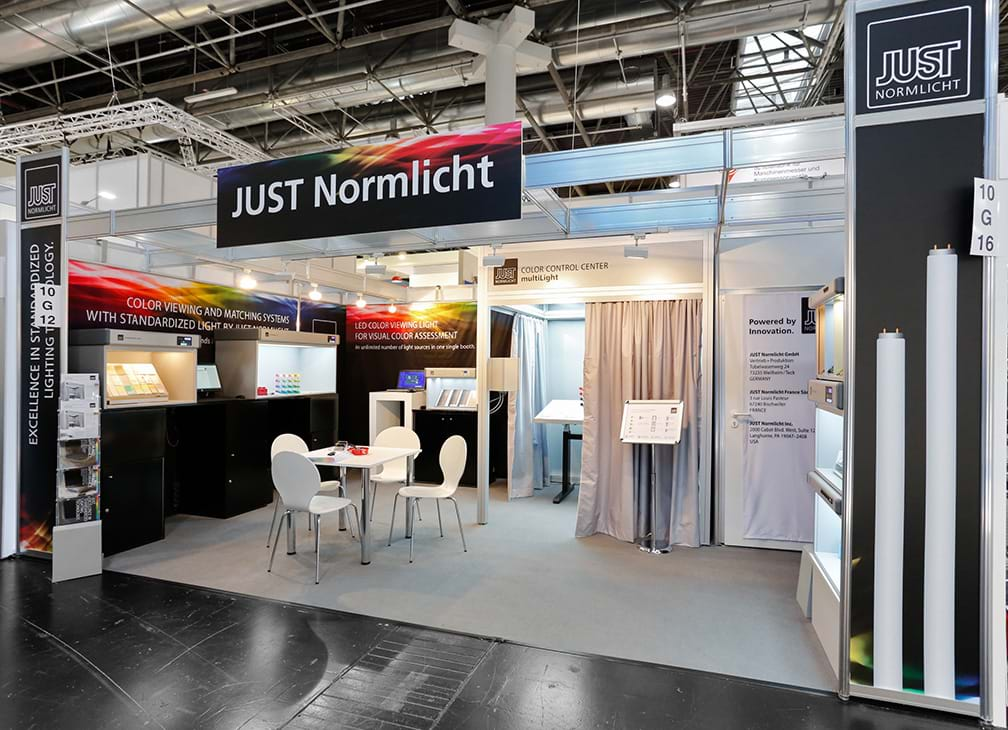 messestand just-normlicht K 2016